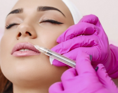 Injectable fillers treatment by experts