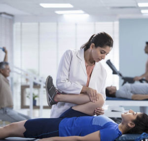 physiotherapy exercise by an expert